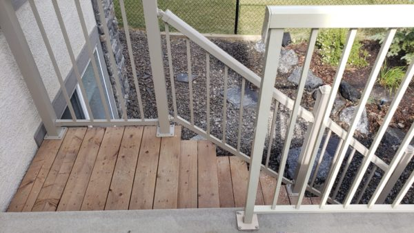 Deck railing code violation